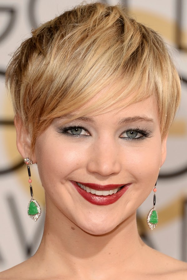 Jennifer Lawrence short blonde hairstyle
