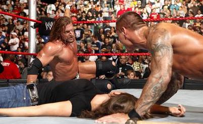 Randy Orton Kisses Stephanie Mcmahon In Front Of Triple H