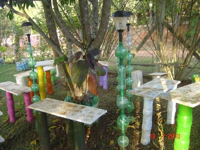 Ma poubelle est un jardin bouteilles plastiques d 39 autres id es recycler 2 - Deco jardin avec recuperation ...