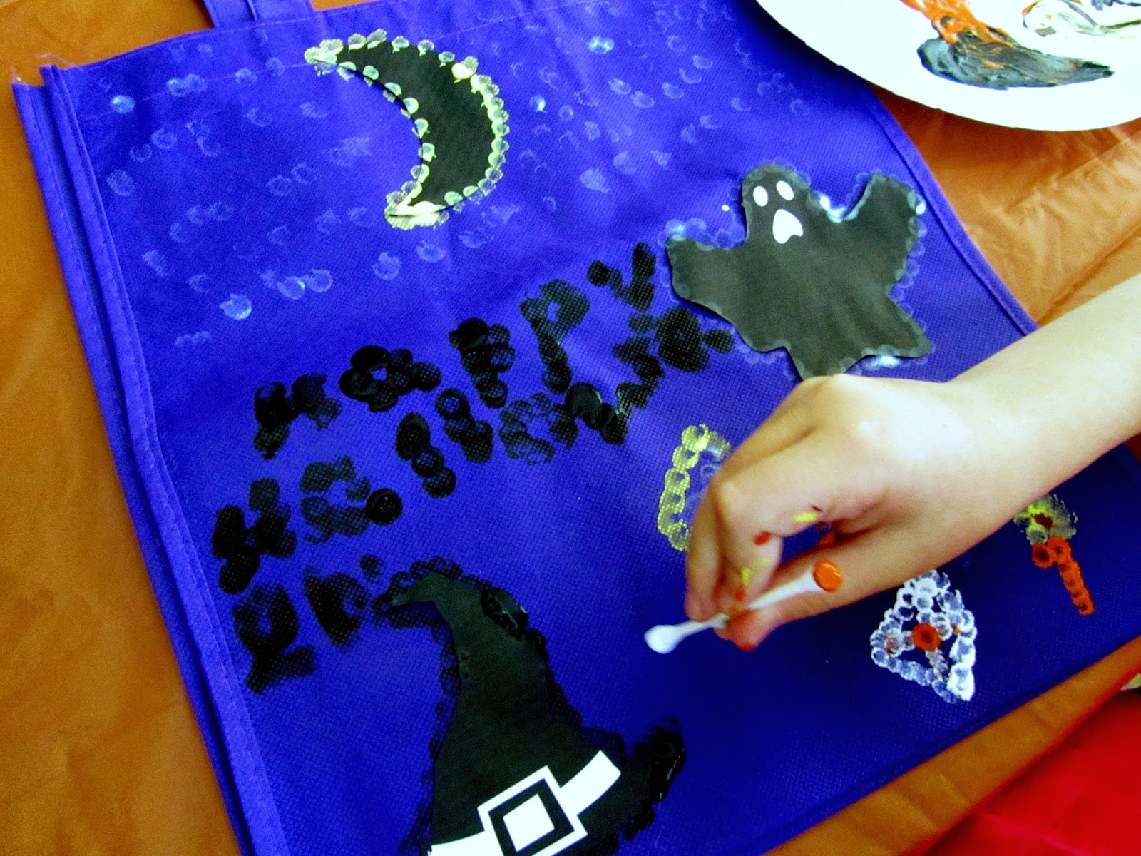 I remember decorating a pillowcase to hold all of my Halloween candy when I  was younger. My kids are little and don't need a whole pillow case, ...
