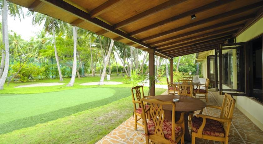 Holiday Island Resort Maldives