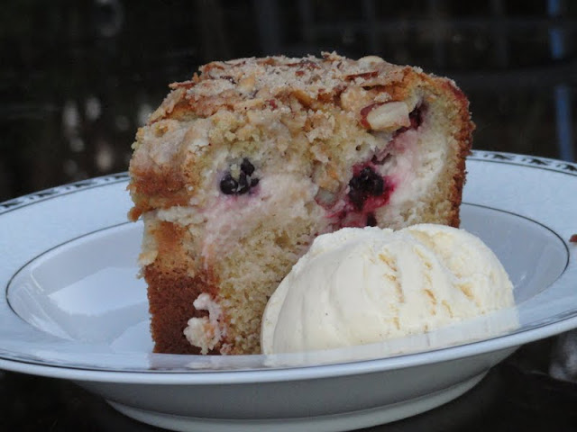 Blackberry-Cream-Cheese-Coffee-Cake.jpg