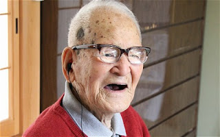 world's oldest person 2011, Jiroemon Kimura photo, Jiroemon Kimura picture, World's newest oldest man 2011, Jiroemon Kimura Guinness World Record, world's oldest living man 2011, new oldest living man, world's oldest living man japan, 2011 Oldest Living Person, current Oldest Living Person, recently Oldest Living man