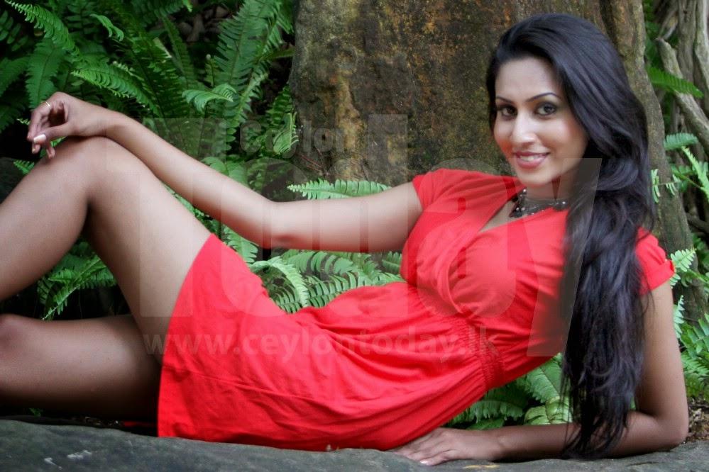 Amanda Silva red