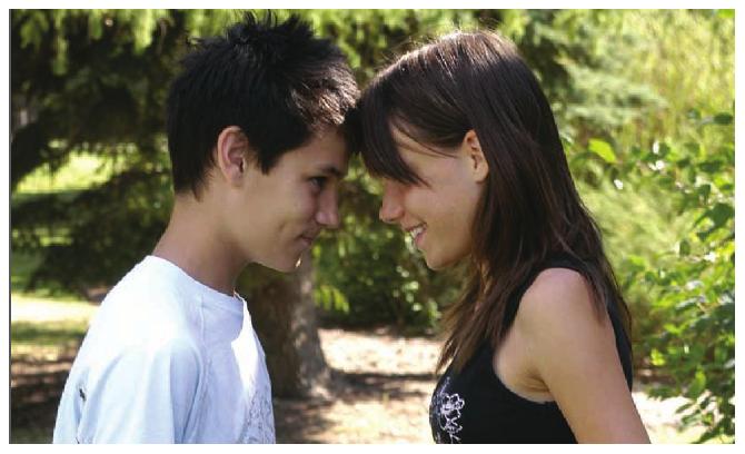 Forzar a la adolescente a tener relaciones sexuales