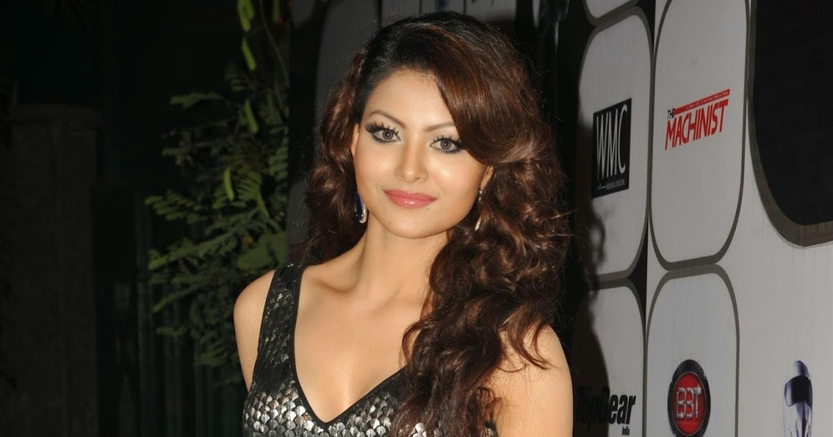 Urvashi Rautela Looks Absolutely Gorgeous At 60th Top Gear Awards New Oye All Chudaku Padipothau Love Quotations