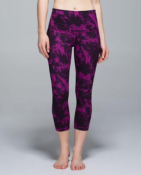 lululemon-breezie-regal-plum wunder-under-crop