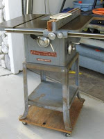 Delta Tilting Arbor Table Saw2