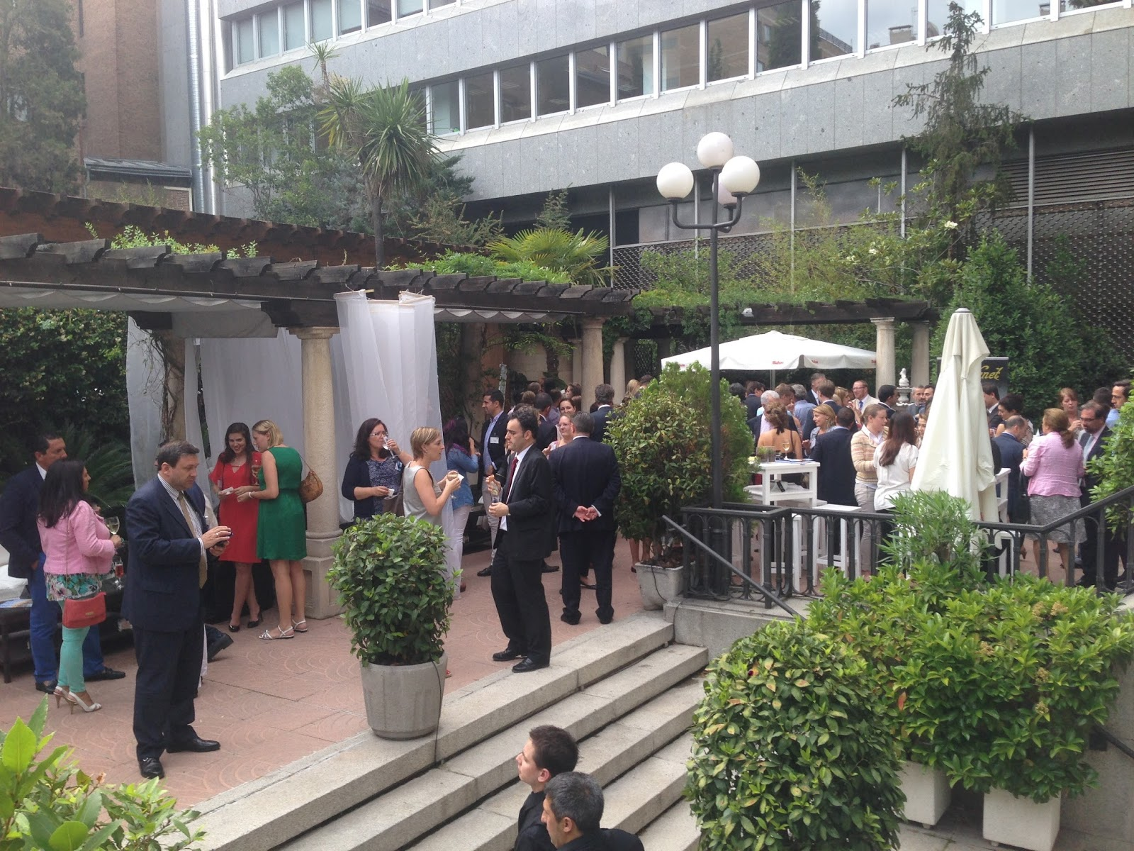 C mara de comercio hispano danesa european business drink for Jardin hotel miguel angel