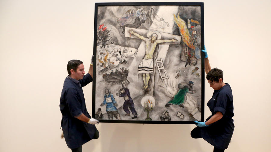Call Me Jorge...: Chagall's blasphemous White Crucifixion ... Chagall White Crucifixion Pope Francis