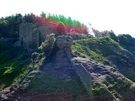 Sant Llorenç del Munt i les seves muralles des de la Punta del Serrat del Vent