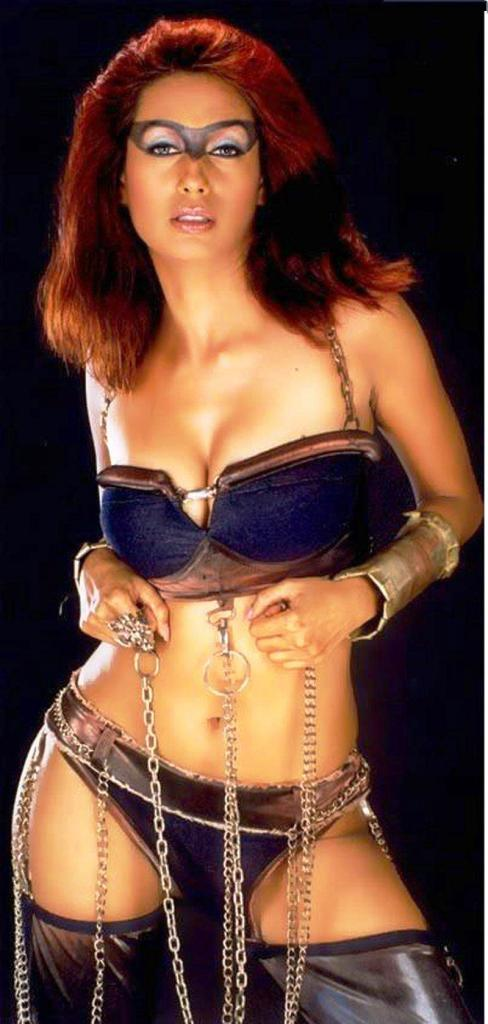 BOLLYWOOD HOT ACTRESS KASHMIRA SHAH SUPER HOT SEXY PICS PHOTOS EXPOSING BIG BOOB