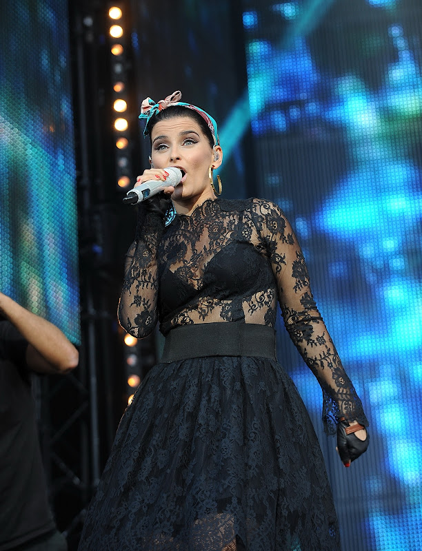 Nelly Furtado performing at M6 Mobile Music Live Concert