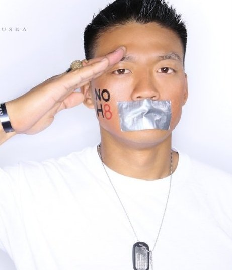 Army veteran and gay activist Dan Choi, Chicago activist Any Thayer were ...