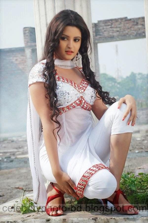 Top+New+Bangladeshi+Model+and+Actress+Pori+Moni's+Latest+Photos+and+Wallpapers005