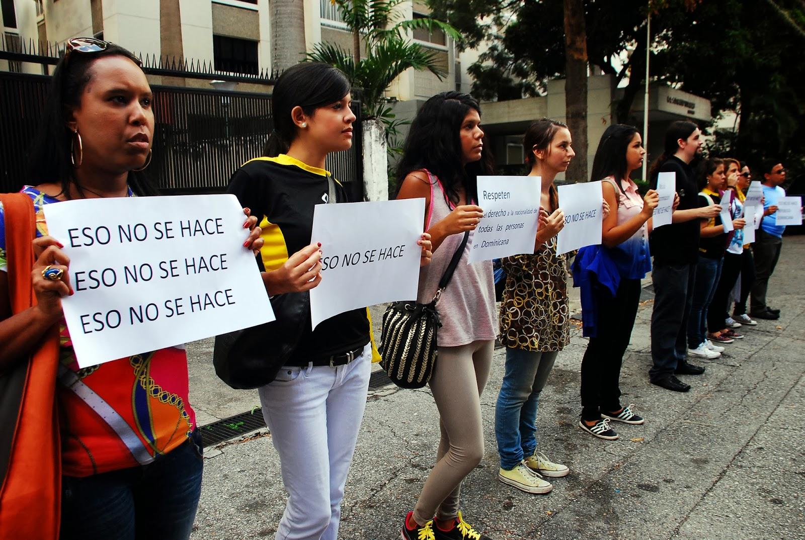 Venezolanas Liceistas Mamando Guevo En El Liceo free