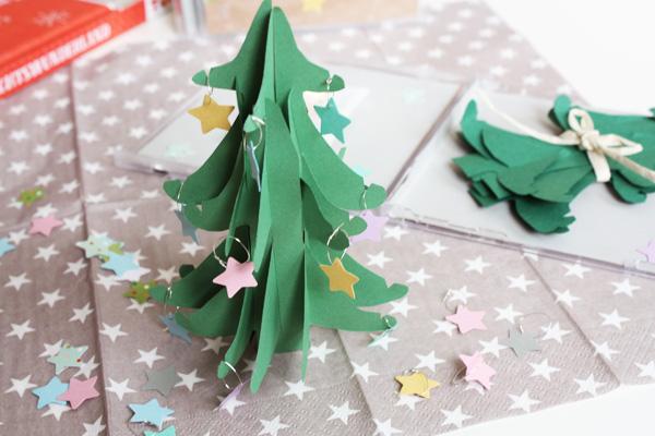 Kuddelmuddel diy kleine weihnachtsb umchen f r freunde - Weihnachtsbaum aus pappe ...