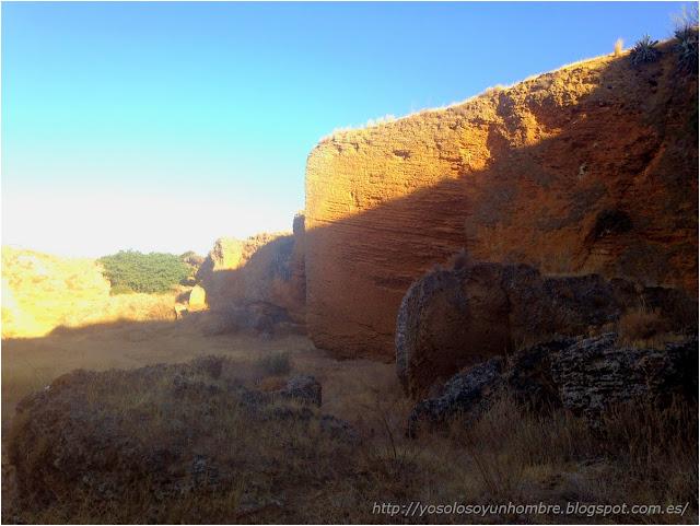 Cantera, de aquí salia la piedra para los palacios de Carmona