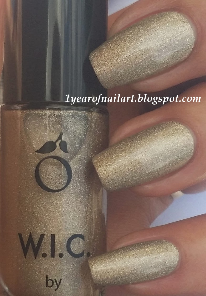 365+ days of nail art: Golden holo nails with 3D nail art