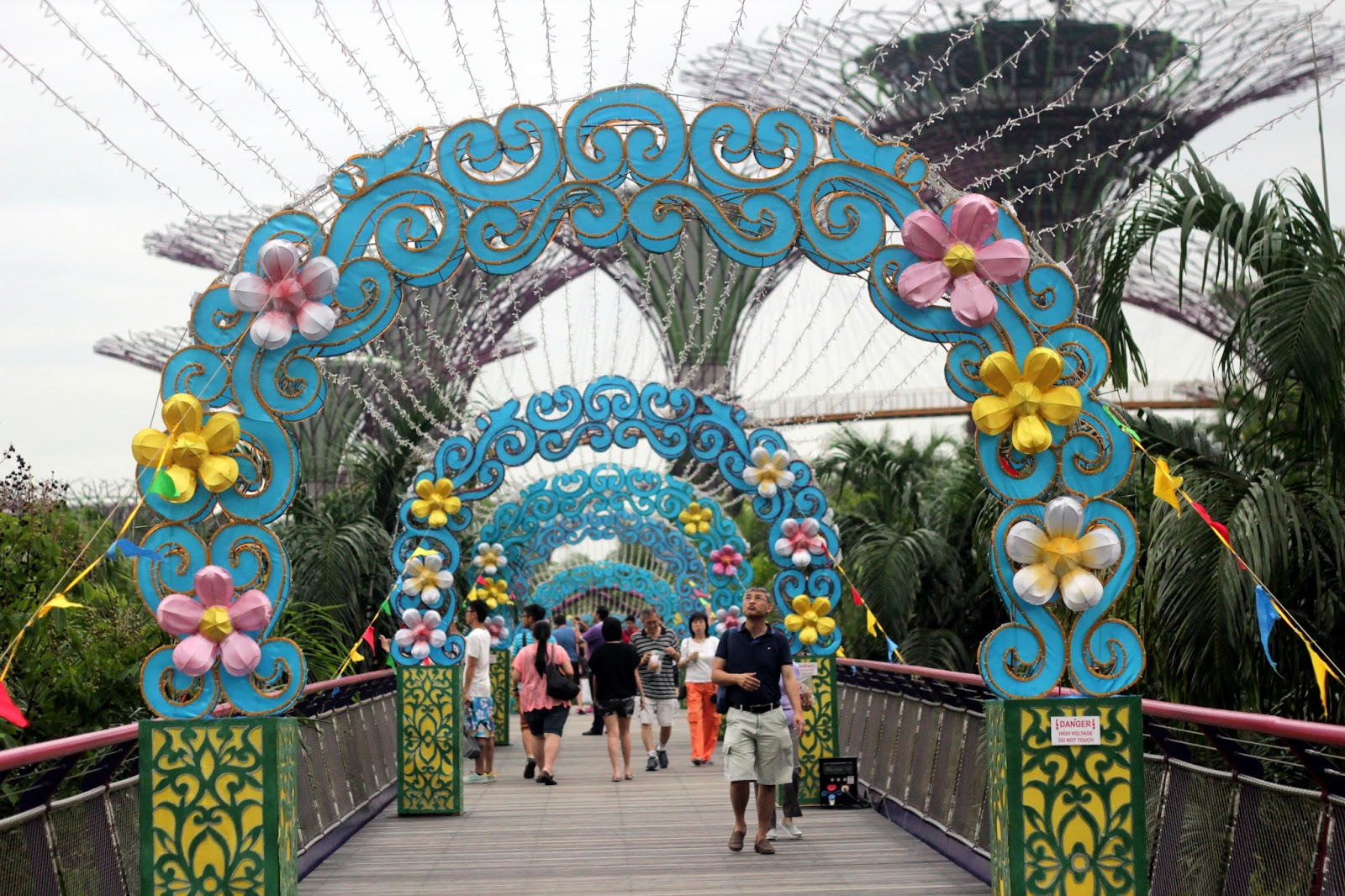 Visited mid autumn festival the gardens 2013 onlywilliam - Garden by the bay festival ...