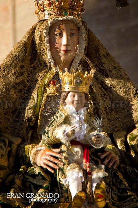 http://franciscogranadopatero35.blogspot.com/2014/08/madre-reina-abogada-y-patrona-de.html