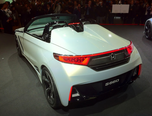 back view of Sri Lankan hot actress and model Yureni Noshika's new car Honda S660
