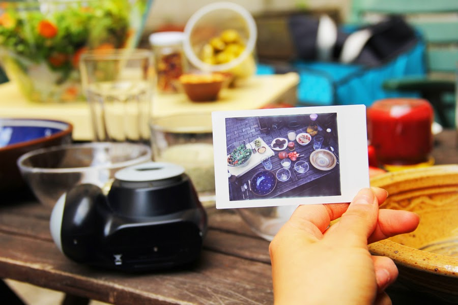myberlinfashion picknick food vegan polaroid vintage