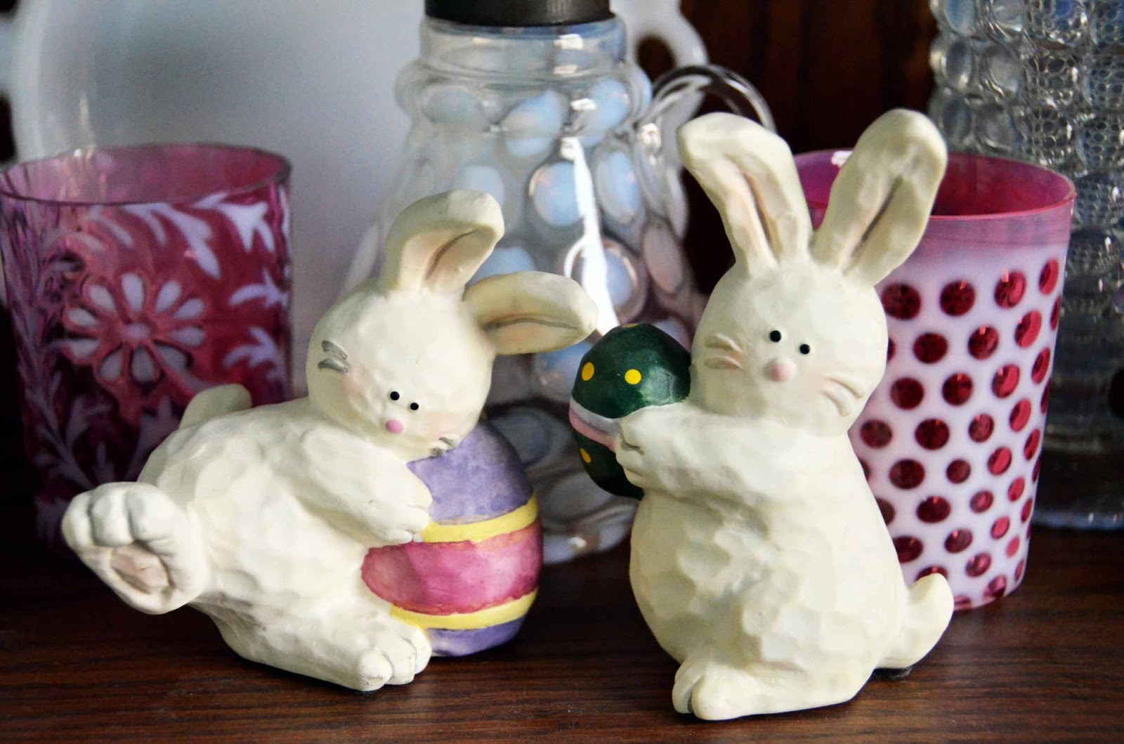Easter Bunny vignette sculpture
