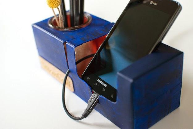 ミルクカートンジュースの再利用からのDIYのペンホルダー電話休息  ไอเดียงานจากกล่องใช้แล้ว วัสดุใช้แล้ ขยะมีค่า ของใช้แล้ว โลกสีเขียว
