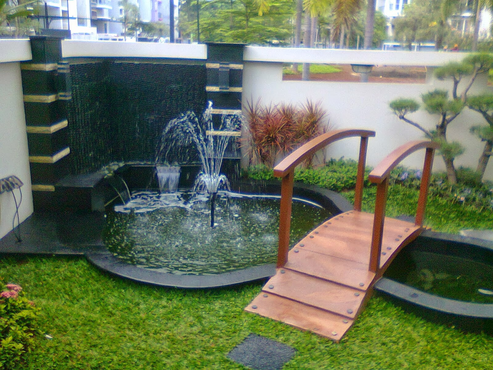Tukang Kolam, Relif Minimalis, pembuatan kolam Koi Profesional