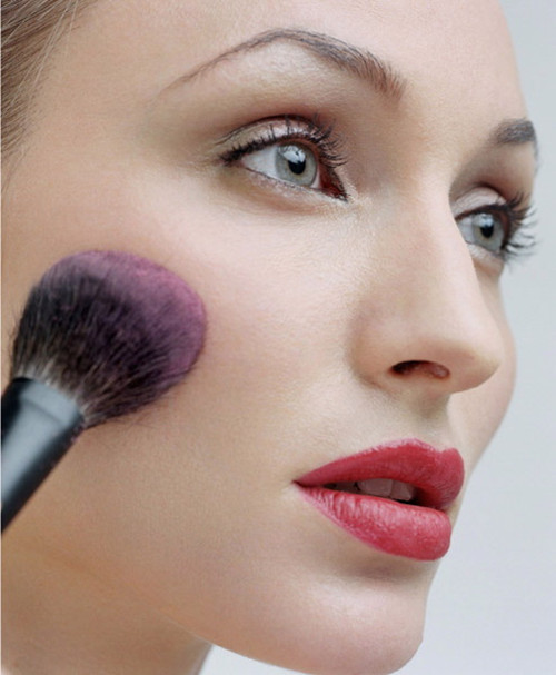 Bride in dream bridal makeup tips if you are considering doing your own bridal makeup then there are a few key things you should keep in mind you should practice several times before your solutioingenieria Gallery