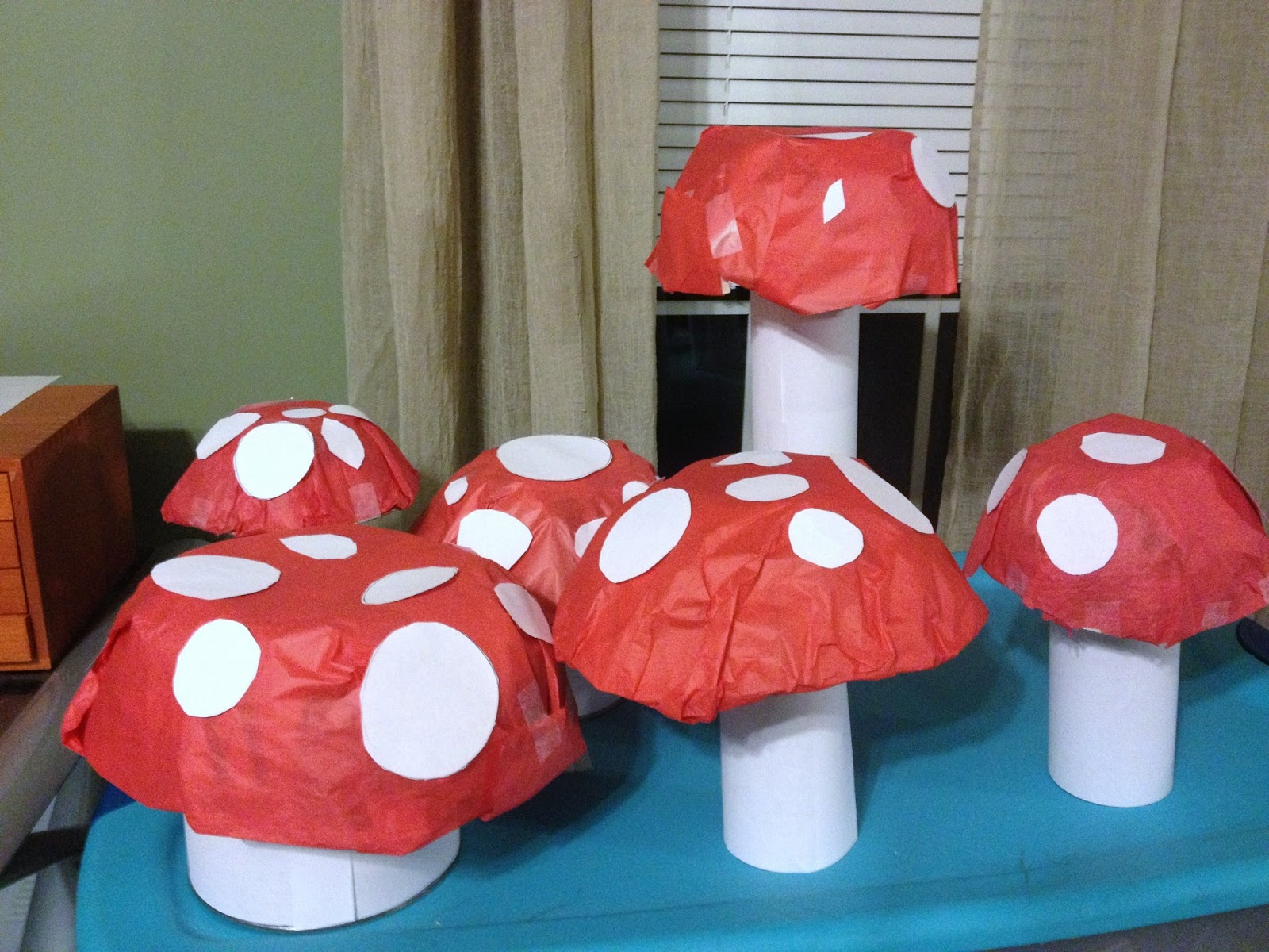 Mcgalver how to make mushroom decorations for a fairy or for Mario decorations
