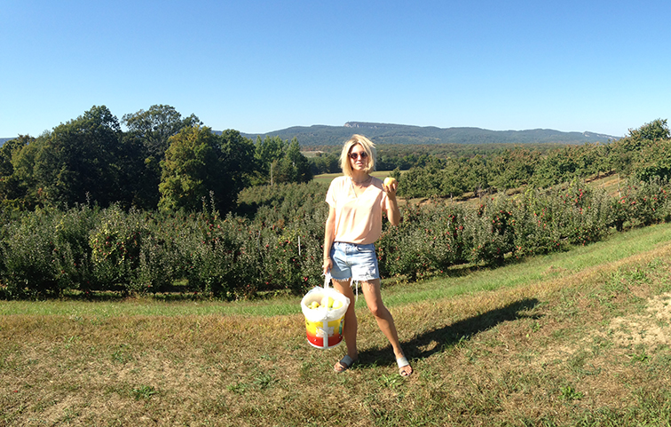 Crazy mountain views, nature, Upstate New York, apple picking at Dressel Farms, beautiful fall day, autumn
