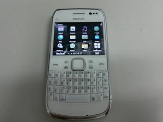 Nokia E6-00: Photo, Caractéristiques, vidéo...