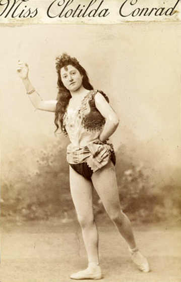 vintage photos of circus performers from 1890s 1910s vintage everyday. Black Bedroom Furniture Sets. Home Design Ideas