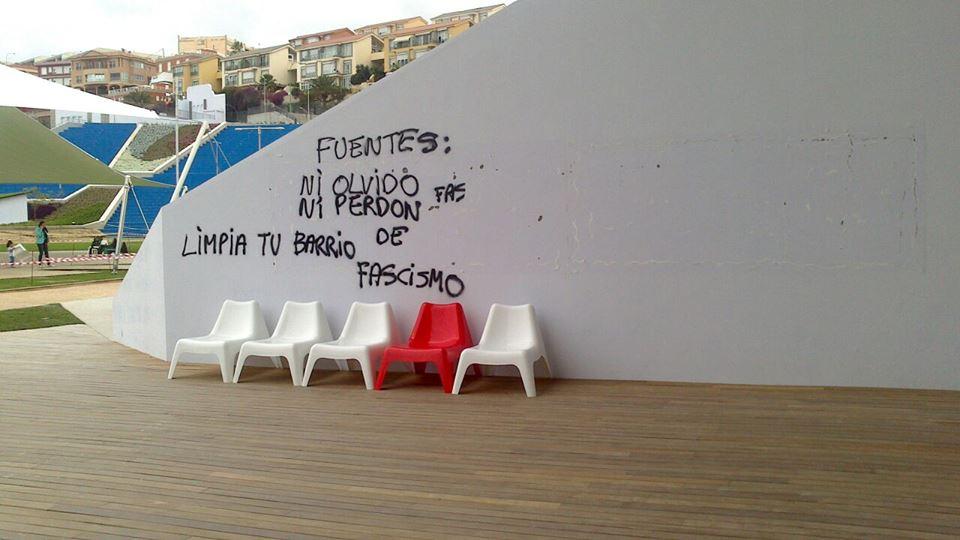 La placa del asesino fascista retirada, la ciudad está más limpia