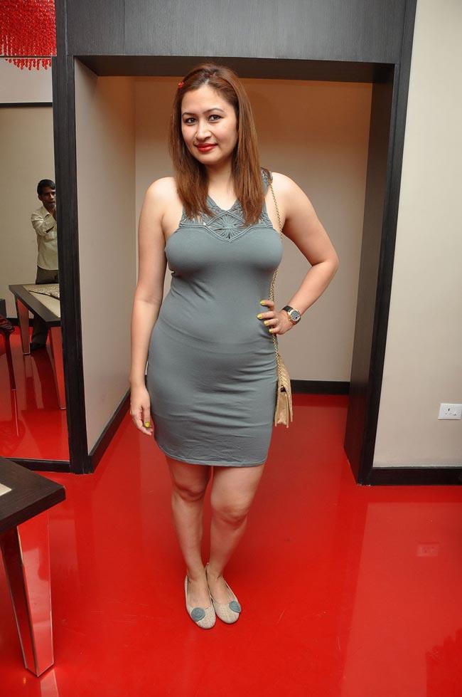 Jwala gupta hot n spicy in skin tights
