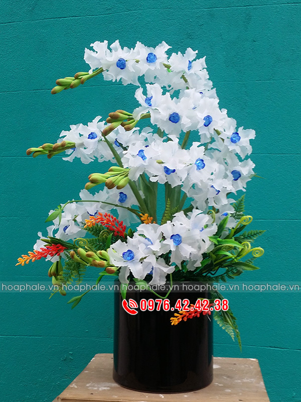 Mẫu hoa lan trắng - hoa pha lê