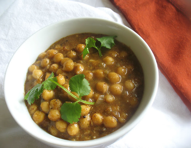 Spicy Chickpeas in a Spicy Sauce