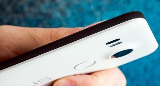O smartphone Google Nexus 5X é um concorrente direto do OnePlus 2 e do Asus Zenfone
