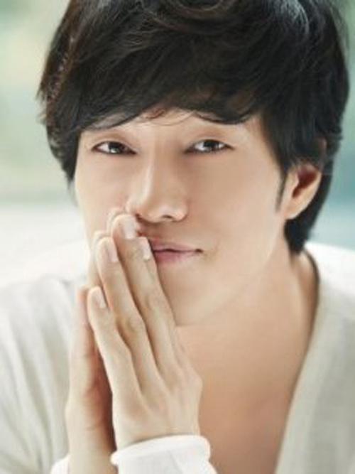 Korean celebrity dating foreigner