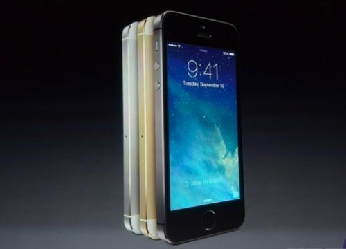iPhone 5C vỏ nhựa và iPhone 5S với cảm biến vân tay trình làng