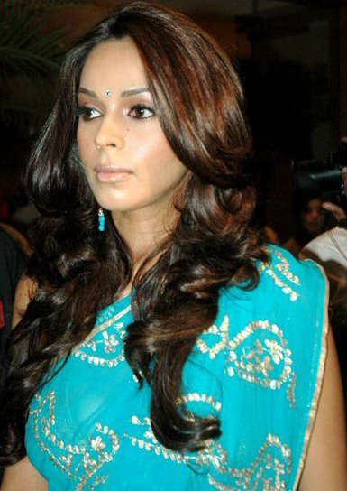 Malika Sheawat in Blue Saree unseen pics
