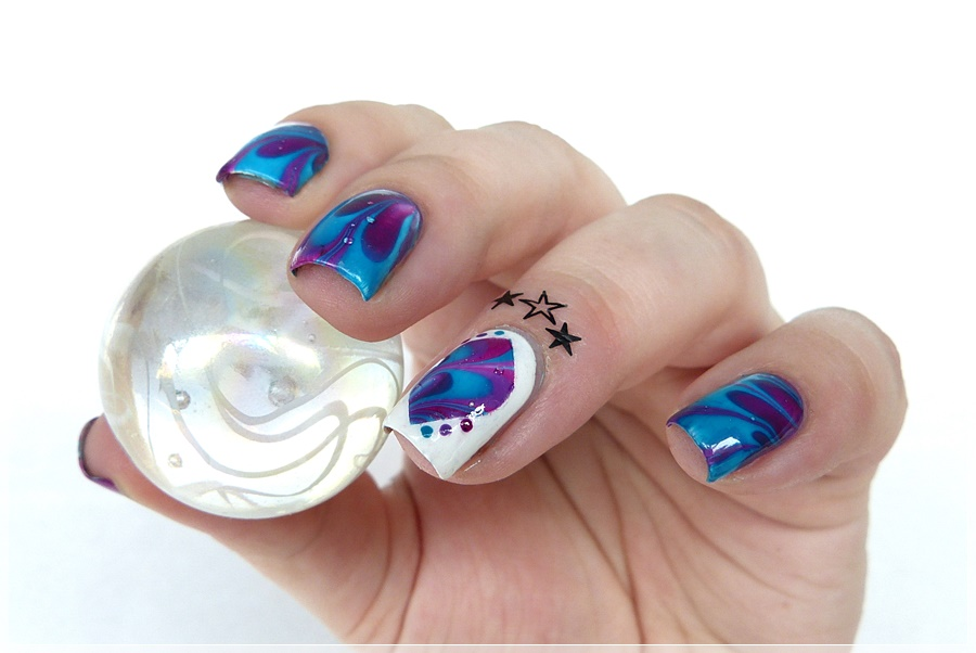 Watermarbling nailart