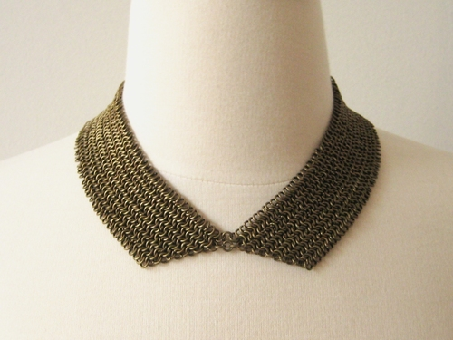 maille collar necklace by Kris over at How Do You Make This is terrific