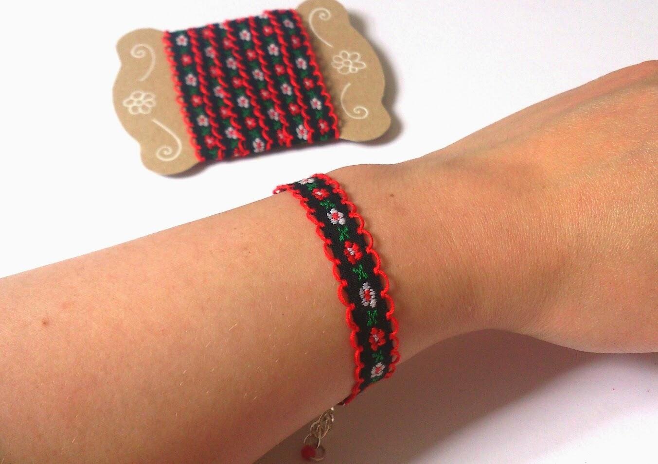 Original jewelry handmade: bracelets of ribbons 66
