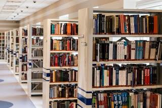 Usaha Jual Beli Buku di Sekitar Kampus