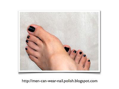 men who wear black nail polish