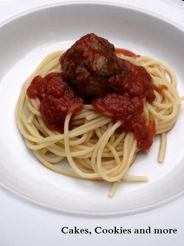 Spaghetti with Meatball  - Hackbällchen