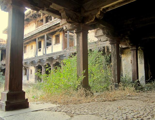 interior of the Sardar Purandare Wada at Saswad